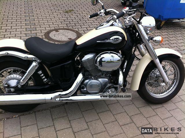 2002 Honda  VT750 Schadow Motorcycle Chopper/Cruiser photo