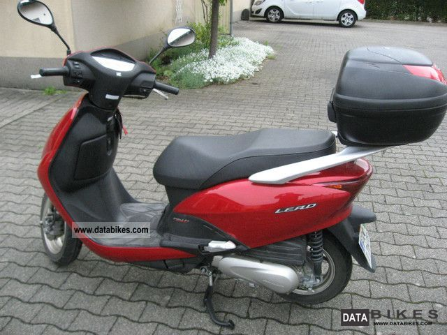 2008 Honda  Lead Motorcycle Scooter photo