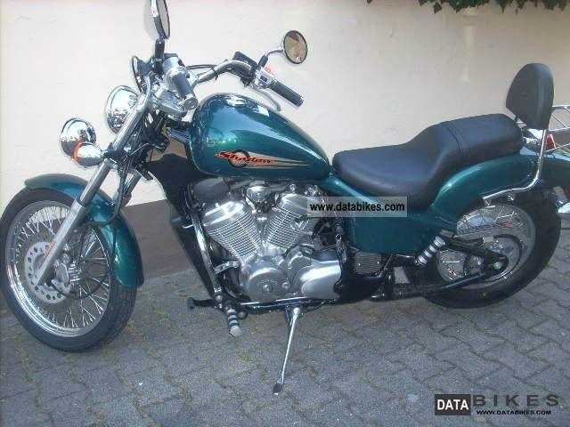 1998 Honda  VT 600 C Shadow Motorcycle Chopper/Cruiser photo