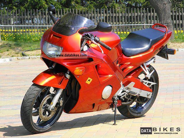 1995 Honda  PC25 CBR 600 fireblade Motorcycle Sports/Super Sports Bike photo