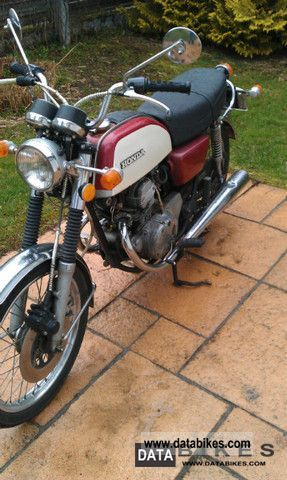 Honda  cb 125 1976 Vintage, Classic and Old Bikes photo