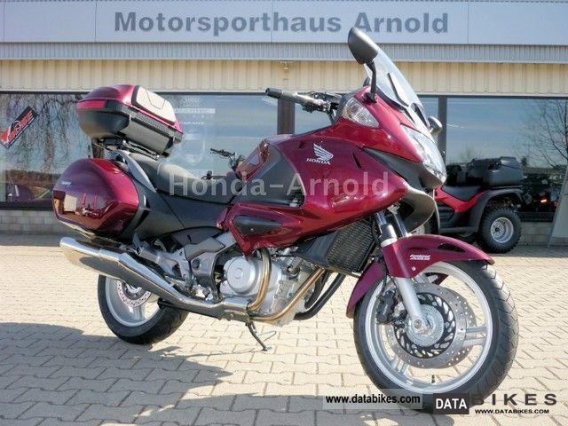 Honda  NT 700V Deauville ABS ** 50 years ** Honda 2011 Tourer photo