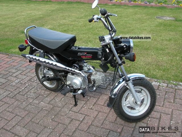 1993 Honda  Dax Motorcycle Lightweight Motorcycle/Motorbike photo