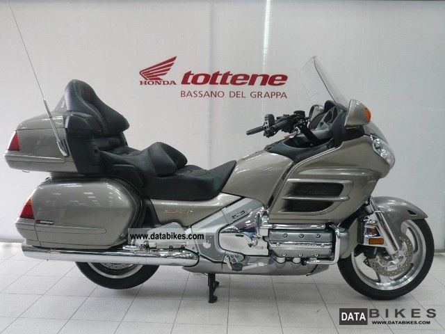2002 Honda  1800 Gold Wing ABS Motorcycle Tourer photo