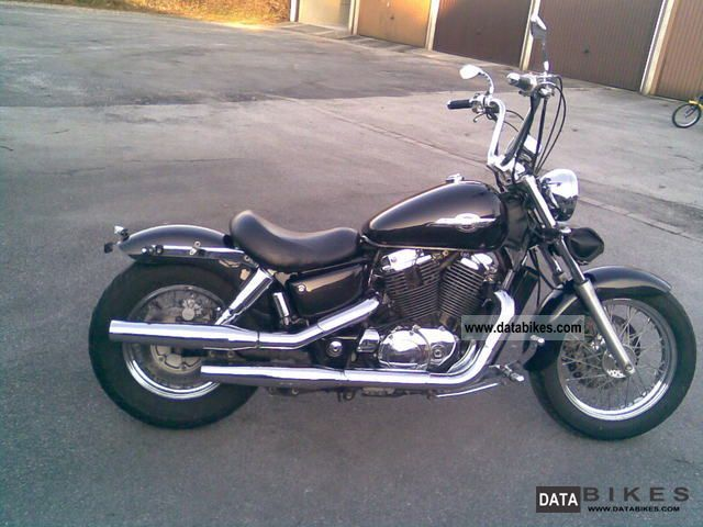 1995 Honda  VT 1100 C2 American Classic Edition Motorcycle Chopper/Cruiser photo