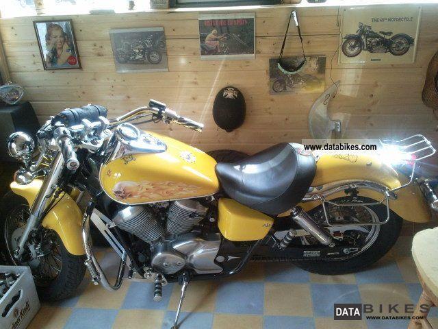 1997 Honda  Shadow Motorcycle Chopper/Cruiser photo