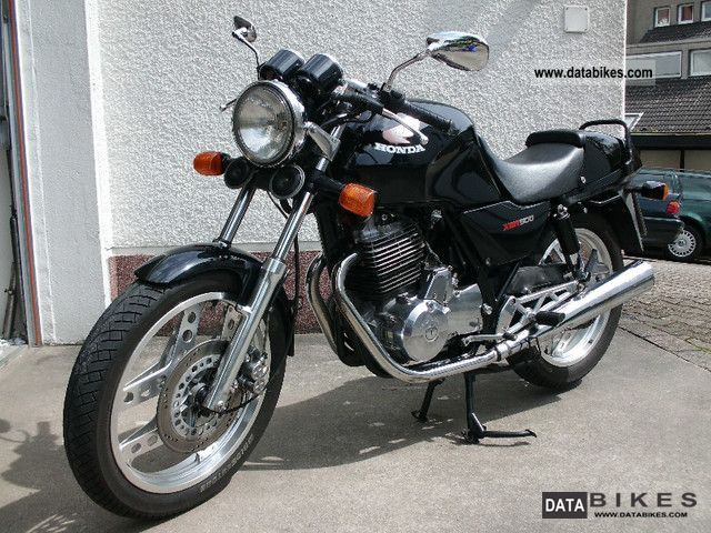 Honda  XBR 500 1985 Motorcycle photo