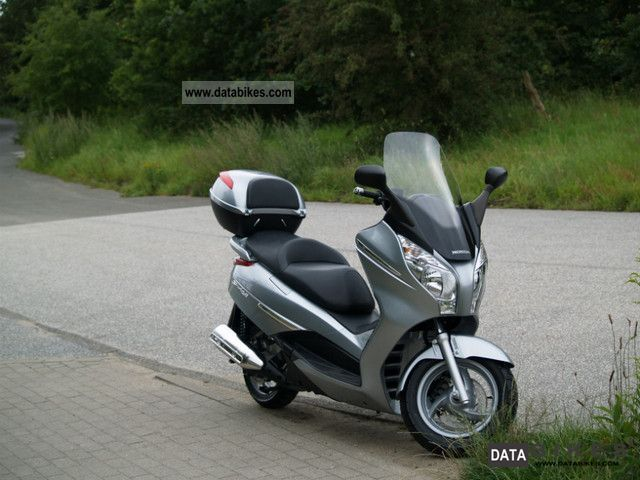 Honda  S-Wing 2008 Scooter photo