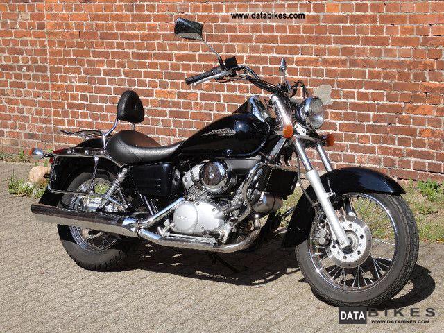 2002 Honda  shadow 125 Motorcycle Chopper/Cruiser photo