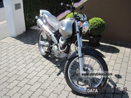 2000 Honda  Enduro Motorcycle Enduro/Touring Enduro photo