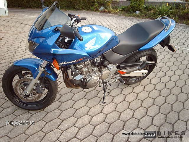 2001 Honda  Hornet 600 Motorcycle Motorcycle photo