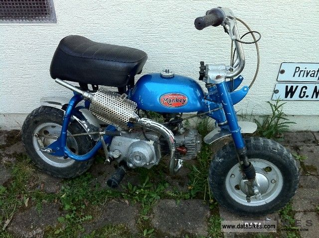 Honda  Monkey Z50A 1971 Vintage, Classic and Old Bikes photo