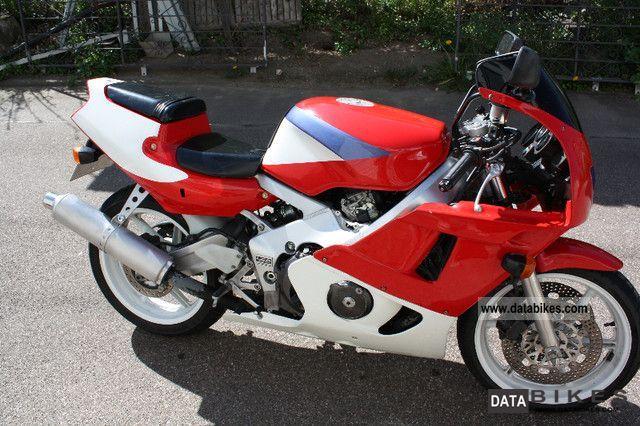 Honda  CBR 400 RR 1994 Sports/Super Sports Bike photo