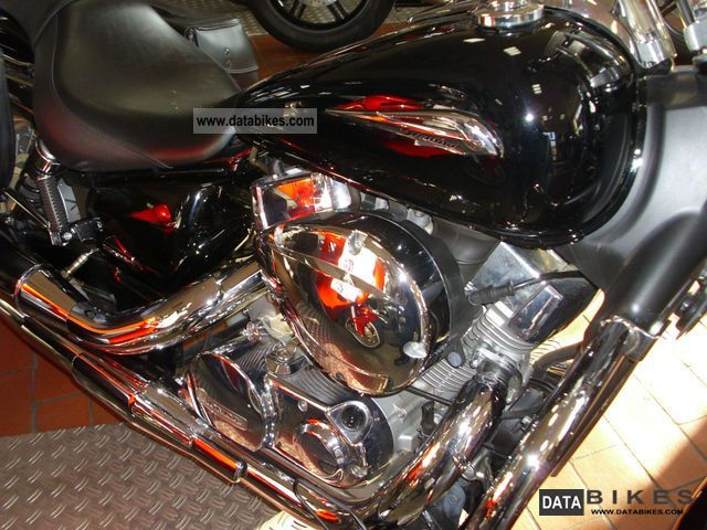 2007 Honda  VT750C2 Spirit with lots of accessories Motorcycle Chopper/Cruiser photo