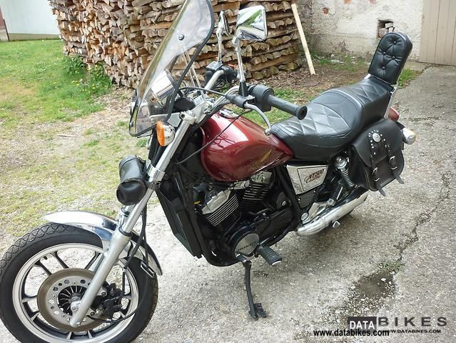 1984 Honda  VT 500 C Motorcycle Chopper/Cruiser photo
