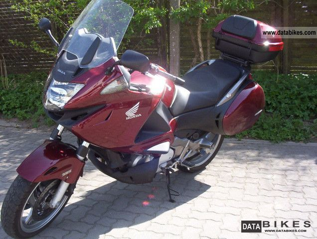 2009 Honda  NT 700 A Motorcycle Motorcycle photo