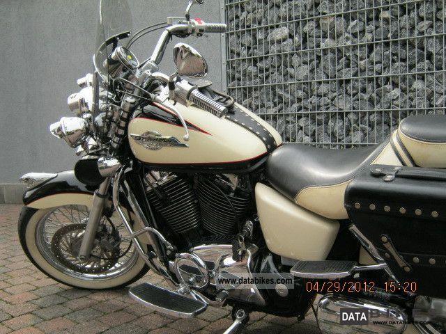 1997 Honda  VT 1100 SC 32 Motorcycle Chopper/Cruiser photo
