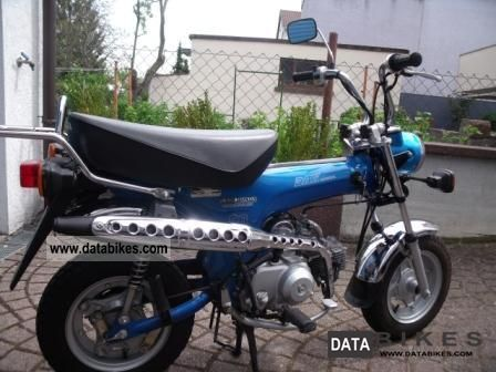 1996 Honda  Dax ST 50 T Motorcycle Motor-assisted Bicycle/Small Moped photo