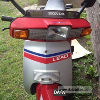 1989 Honda  LEAD 50 Motorcycle Scooter photo