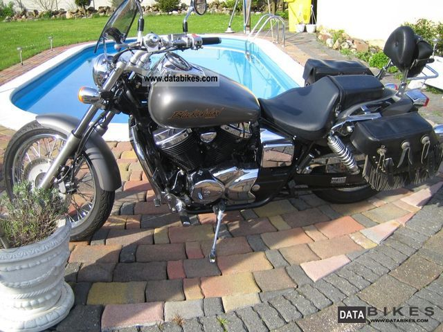 2002 Honda  VT 750 DC Black Widow RC48 Motorcycle Chopper/Cruiser photo