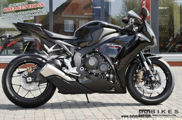 Honda  CBR1000RA SC59 Mod 2012 2011 Sports/Super Sports Bike photo