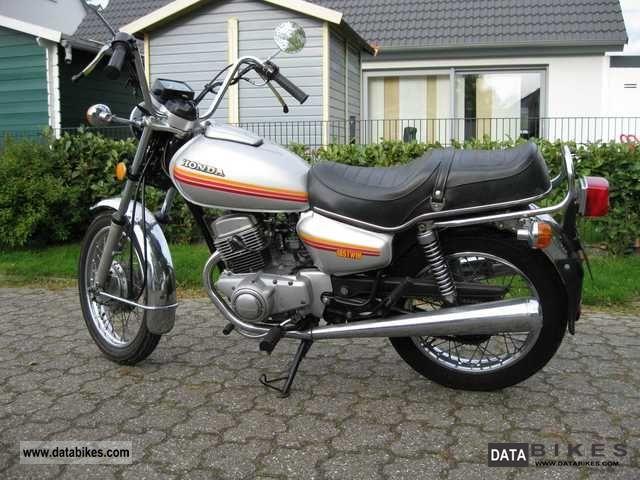1980 Honda  CM 185 T Motorcycle Chopper/Cruiser photo
