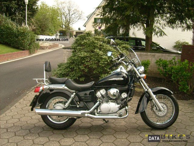 2004 Honda  MTH 125 Schadow Motorcycle Chopper/Cruiser photo