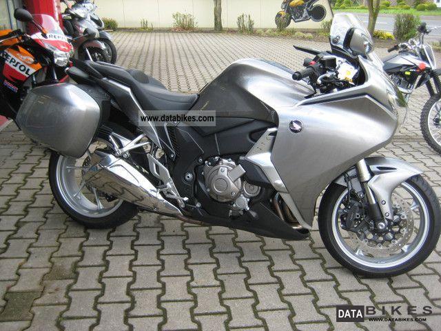 2011 Honda  VFR 1200 DCT Motorcycle Sport Touring Motorcycles photo