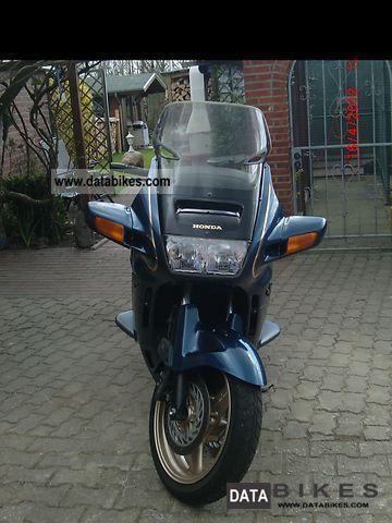 1999 Honda  ST1100 Motorcycle Tourer photo