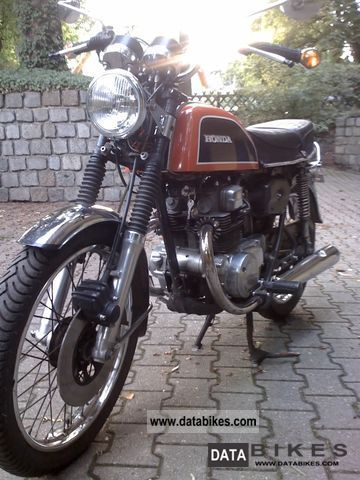 Honda  CB 200 1977 Vintage, Classic and Old Bikes photo