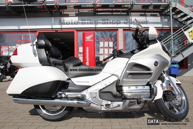 2012 Honda  / GL 1800 GOLDWING Motorcycle Motorcycle photo