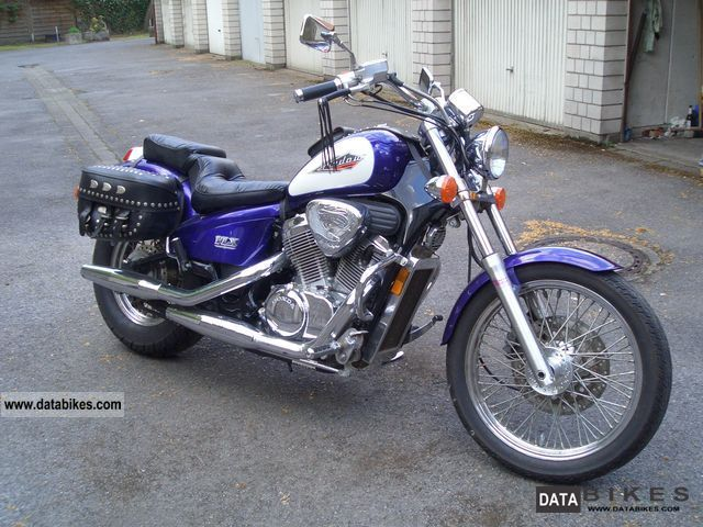 1996 Honda  Shadow VT 600 Deluxe Motorcycle Chopper/Cruiser photo