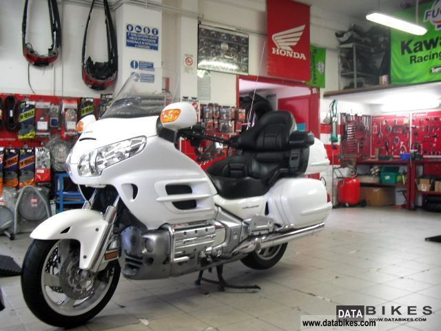 2010 Honda  1800 GOLDWING ABS Motorcycle Sport Touring Motorcycles photo