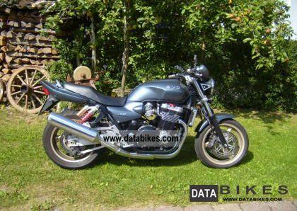 1999 Honda  CB1300 Motorcycle Naked Bike photo