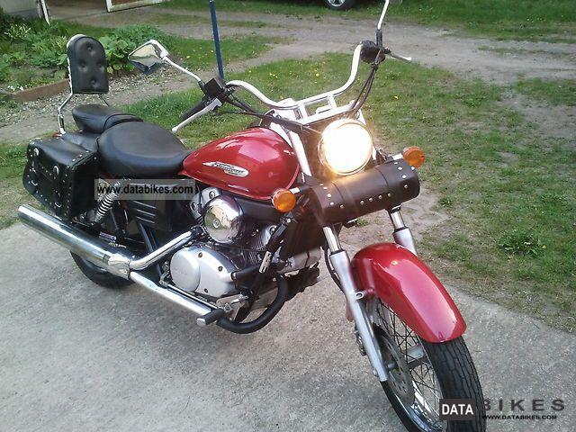 2001 Honda  VT 125 Motorcycle Chopper/Cruiser photo