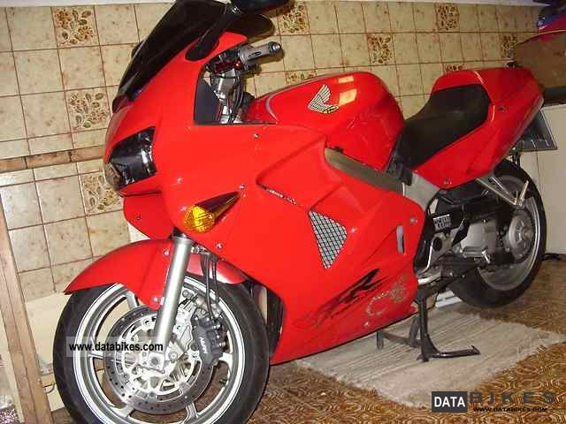 1999 Honda  80 RC 46 VFR Motorcycle Sport Touring Motorcycles photo