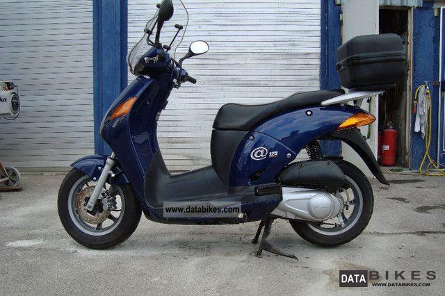 Honda  JF 07 125 2001 Scooter photo