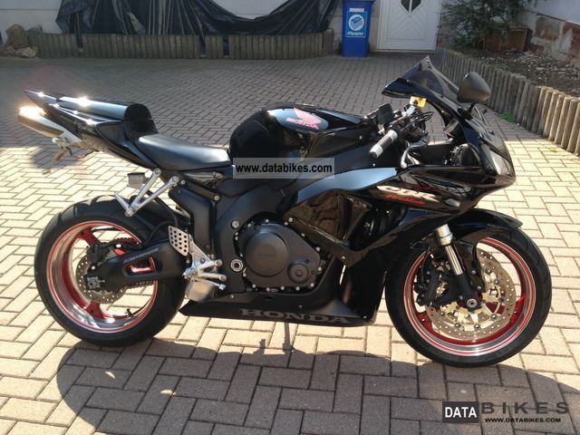 2006 Honda  1000 RR Fireblade Motorcycle Sports/Super Sports Bike photo