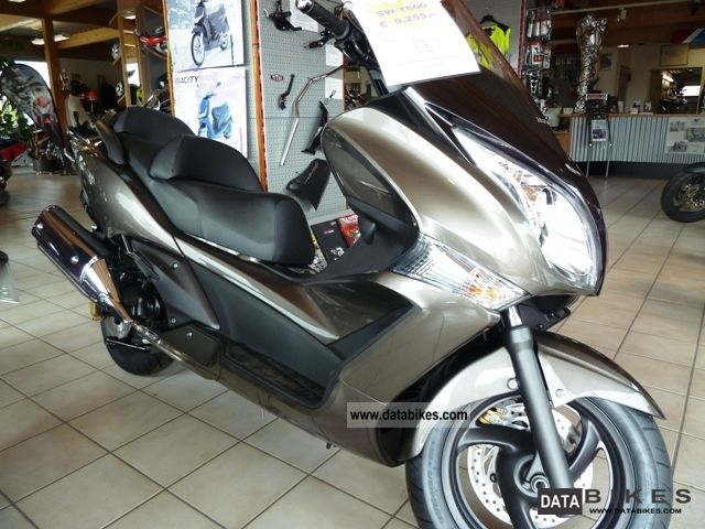 Honda  SW-T600 FJS600 2011 Scooter photo