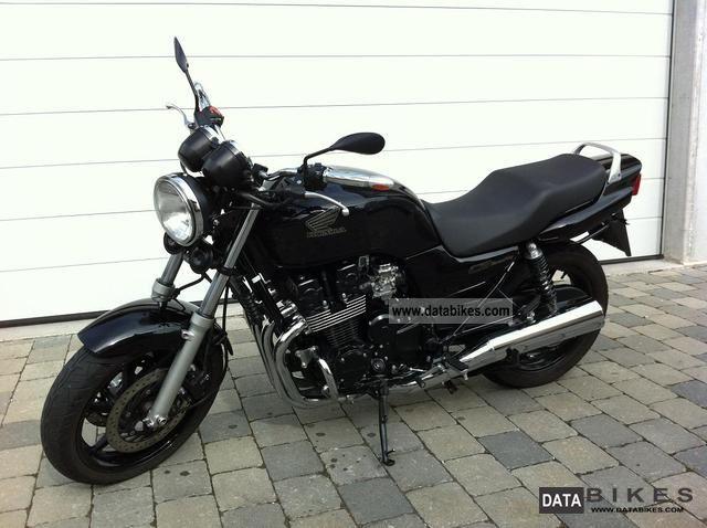 2001 Honda  CB750 Motorcycle Naked Bike photo
