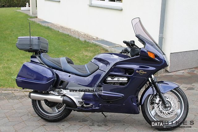 1995 Honda  ST 1100 Motorcycle Sport Touring Motorcycles photo