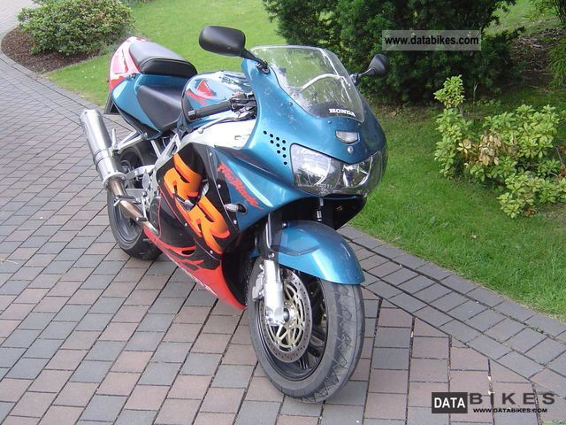 1999 Honda  Fireblade Motorcycle Sports/Super Sports Bike photo