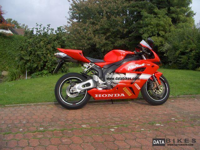 2004 Honda  Fireblade SC 57 Motorcycle Sports/Super Sports Bike photo