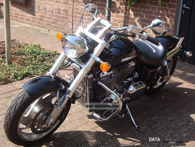 2001 Honda VTX 1800 Motorcycle Chopper Cruiser Photo 2