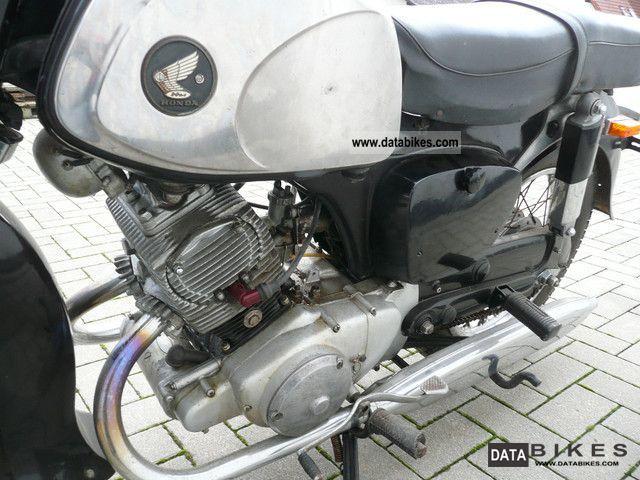 1962 Honda 2 cylinder 125cc C92 Benly 4-stroke engine