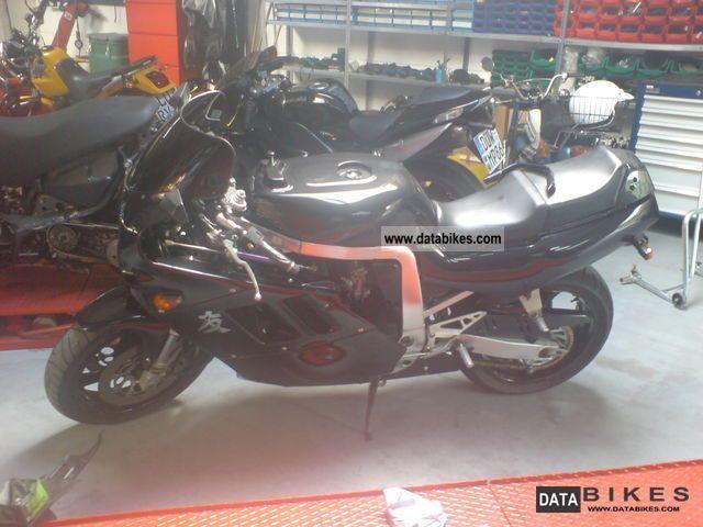 1990 Honda  GSX R 750 Motorcycle Sports/Super Sports Bike photo