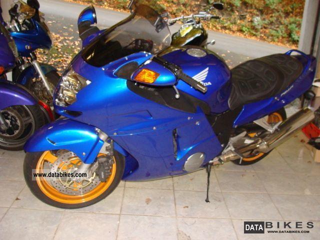 Honda  xx 1100 SC 35 2003 Motorcycle photo