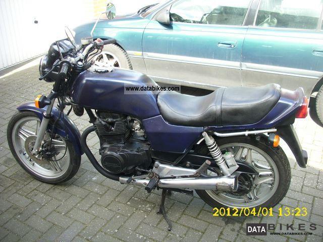 1982 Honda  CB 400 T Motorcycle Tourer photo
