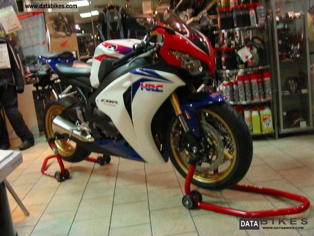 2010 Honda  Fireblade Motorcycle Sports/Super Sports Bike photo