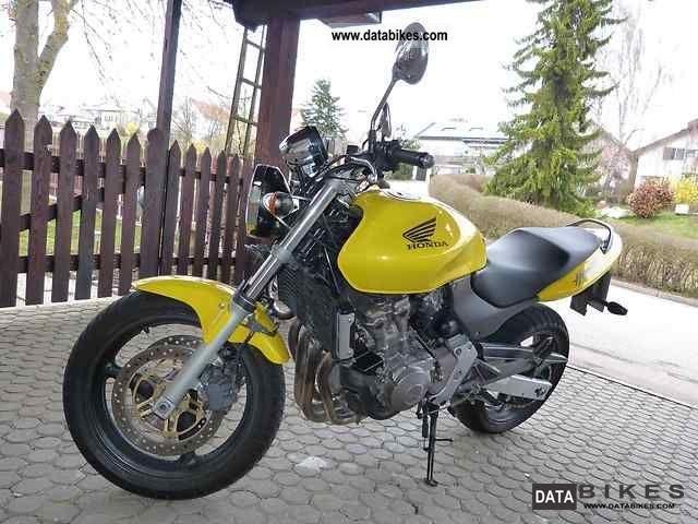 2002 Honda  Hornet Motorcycle Naked Bike photo